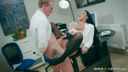 Candi Kayne gets fucked by her coworker - Brazzers